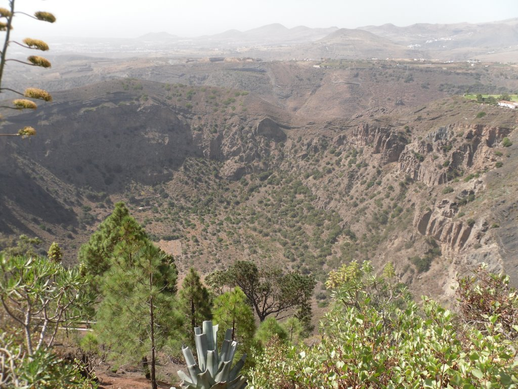 Caldera-de-Bandama-gran-canaria-kanári-szigetek-viasale-travel