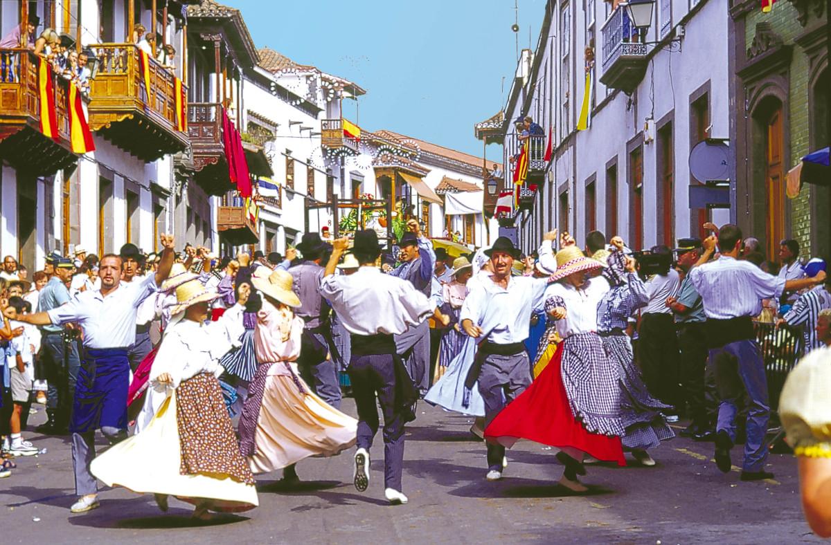 Pueblo-Canario-5-kihagyhatatlan-látnivaló-Gran-Canaria-Kanári-szigetek-Viasale-travel