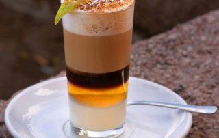 Barraquito-kávé-kanári-szigetek-recept