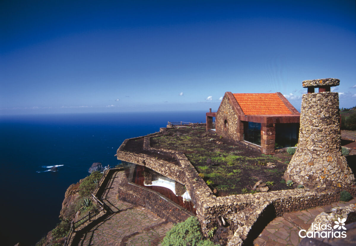 Kanári-szigetek-nyaralás-vulkánok-túra-el-hiero-viasale-travel-1