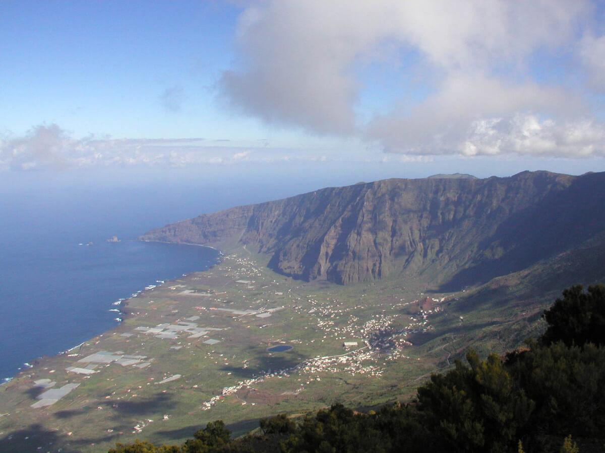 Kanári-szigetek-nyaralás-vulkánok-túra-el-hiero-viasale-travel-5