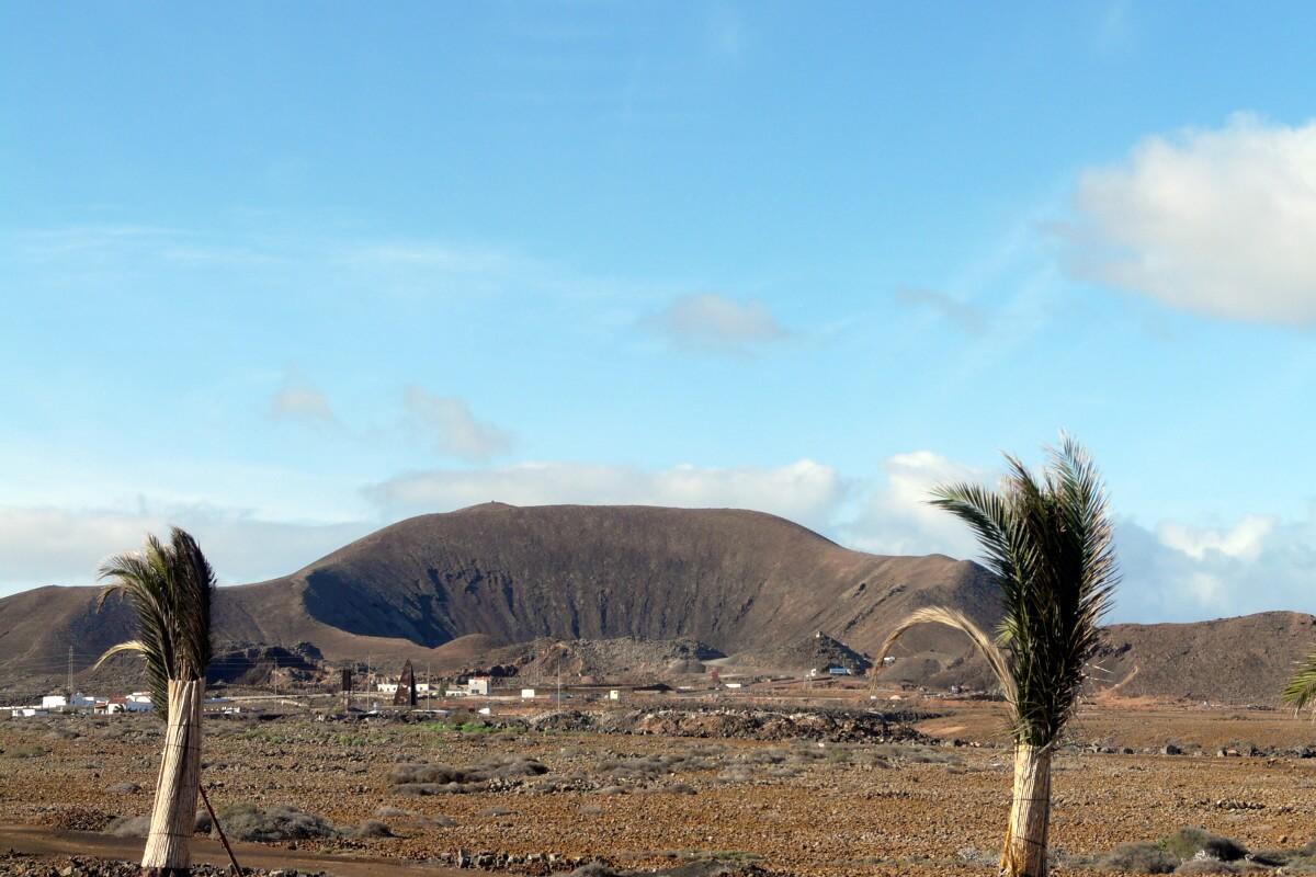 Kanári-szigetek-nyaralás-vulkánok-túra-fuerteventura-viasale-travel-9