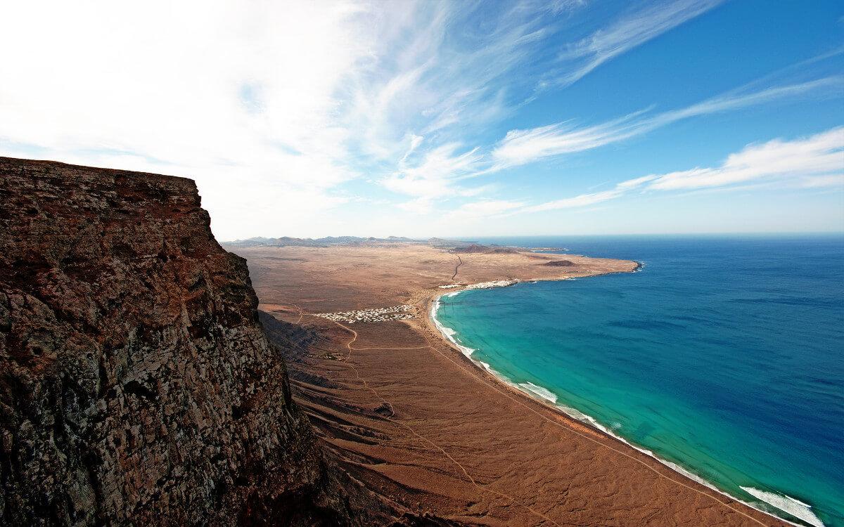 Kanári-szigetek-nyaralás-vulkánok-túra-lanzarote-viasale-travel-4