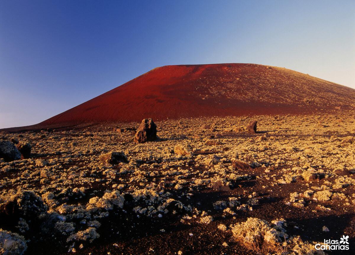 Kanári-szigetek-nyaralás-vulkánok-túra-lanzarote-viasale-travel-5