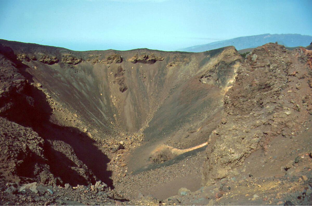 Kanári-szigetek-utazás-vulkánok-túra-el-la-palma-viasale-travel-3
