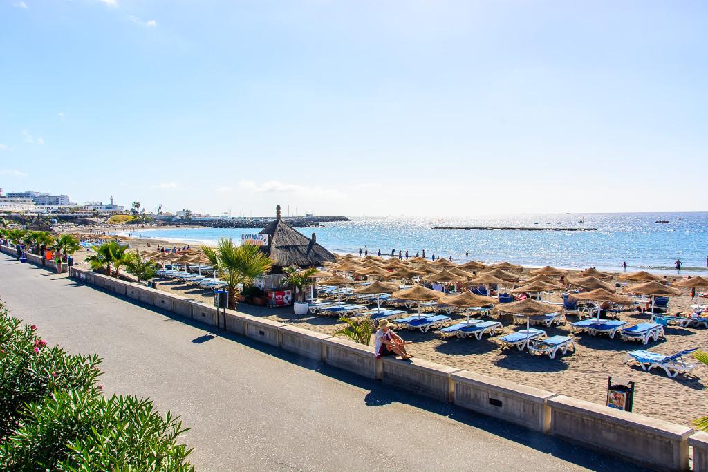 playa-fanabe-costa-adeje-tenerife-kanári-szigetek-viasale-travel-5-legjobb-gyerekes-strand