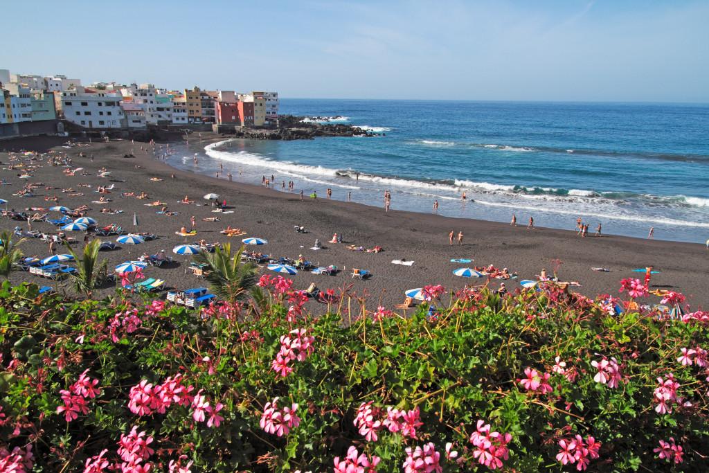 playa-jardin-puerto-de-la-cruz-tenerife-kanári-szigetek-viasale-travel-5-legjobb-gyerekes-strand
