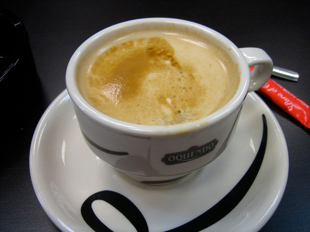 Kóstoljon-bele-Kanári-szigeteki-kávéhatározó-cafe-con-leche